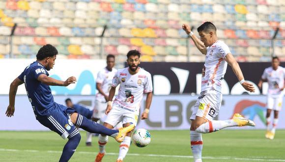 Ayacucho FC emitió un comunicado donde señala que el arbitraje los perjudicó en el duelo ante Sporting Cristal.(Foto:LIGA 1)