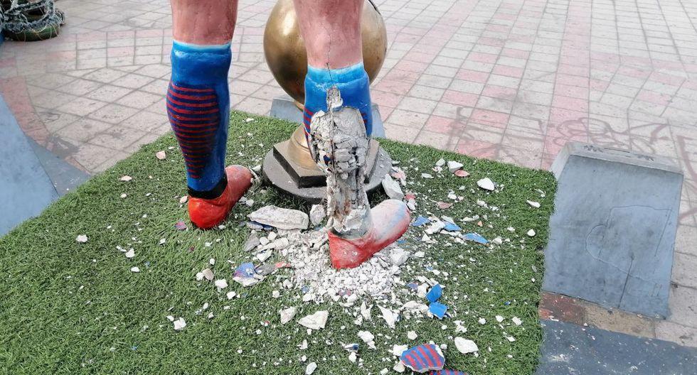Así quedó la estatua de Alexis Sánchez en Tocopilla, la ciudad donde nació en Chile.