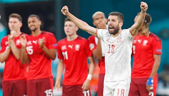 España clasificó a la semifinal de la Eurocopa tras vencer 3-1 por penales a Suiza en San Petersburgo. (Foto: AFP)