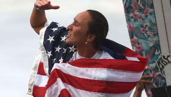 Carissa Moore se llevó la medalla de oro en surf en Tokio 2020. (Foto: AFP)