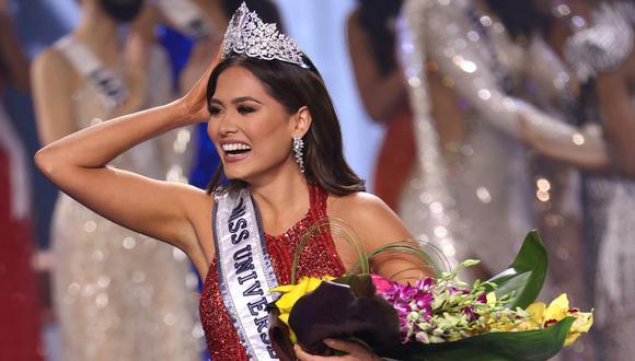 Andrea Meza confesó que el color de su vestido fue una coincidencia, pues otras concursantes mexicanas ya lo habían usado en sus coronaciones en Miss Universo. (Foto: AP)