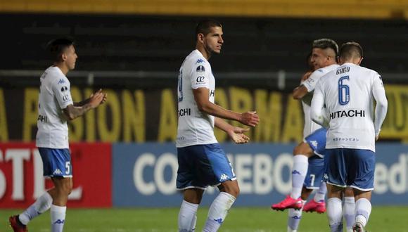 Vélez empató 1-1 con Peñarol y logró la clasificación a los octavos de final de la Copa Sudamericana 2020. (Foto: EFE)