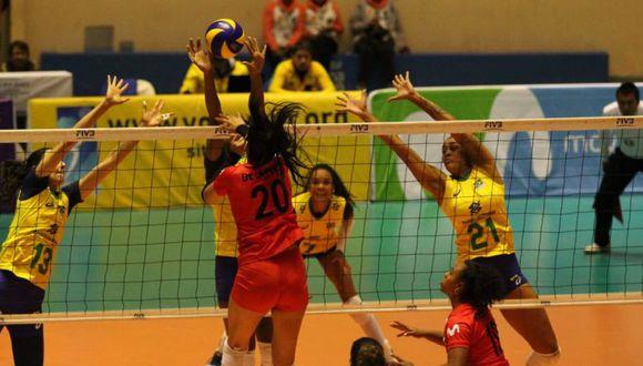 Perú vs Brasil: juegan por las semifinales del Sudamericano de Vóley en Cajamarca. (Foto: Luis Padilla)