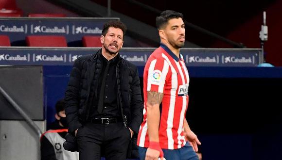 Diego Simeone se rinde ante el buen nivel de Luis Suárez (Foto: AFP)