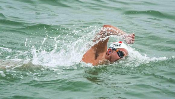 Gustavo Lores, el ultra nadador de aguas abiertas que nada de Chorrillos a La Punta y busca la Triple Corona. (fotoacción.pe)