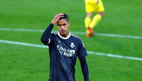 Raphael Varane sufre una lesión muscular y no estará ante Chelsea por semifinales de Champions League. (Foto: EFE)
