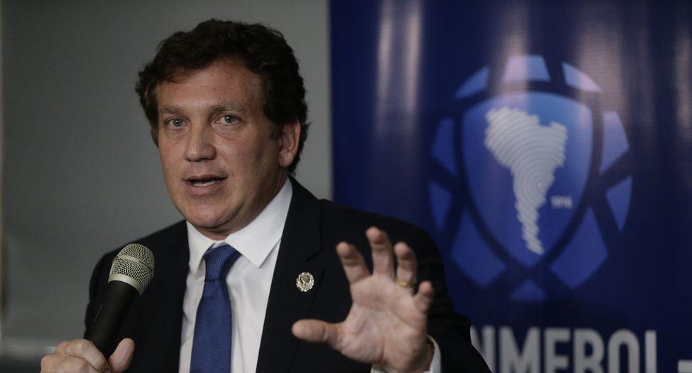 Alejandro Domínguez, titular de la Conmebol, mantiene como fecha tentativa del reinicio del torneo el mes de mayo (Foto: AP)