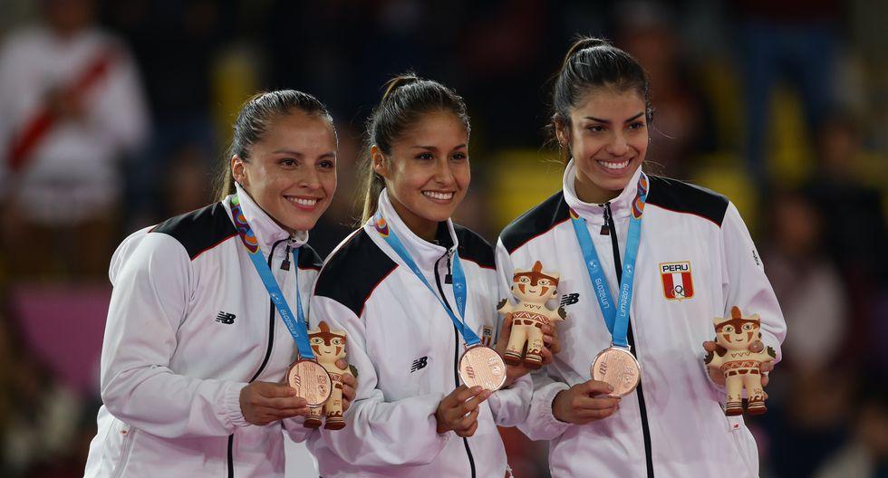 Saida Salcedo, Andrea Almarza y Sol Romaní: Medallas de bronce en Karate-Kata femenino por equipos. (Foto: Jesus Saucedo / GEC)