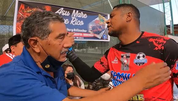 Chiquito Flores jugó para el equipo de Lima. Hubo muchos saludos antes del partido. (Foto: El Pepe)
