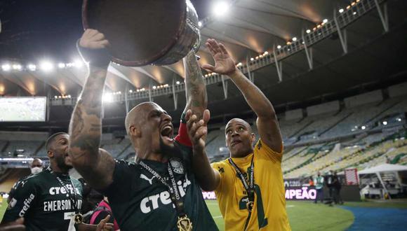 Felipe Melo, capitán de Palmeiras, celebró el título de la Copa Libertadores. (Foto: Reuters)