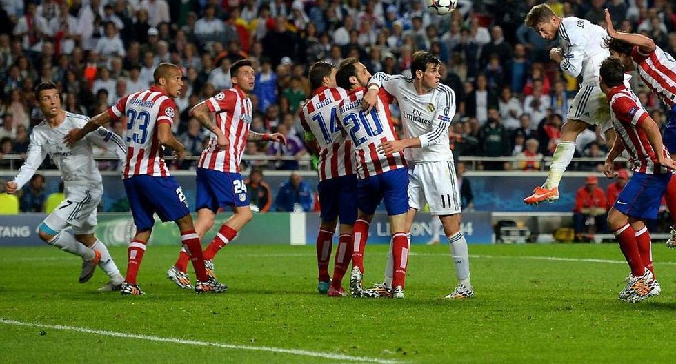 Sergio Ramos anota de cabeza el 1-1 ante el Atlético al minuto 92:48 y consigue que la final de la Champions League 2013-2014 se prolongue hasta la prórroga. (Foto: Getty)