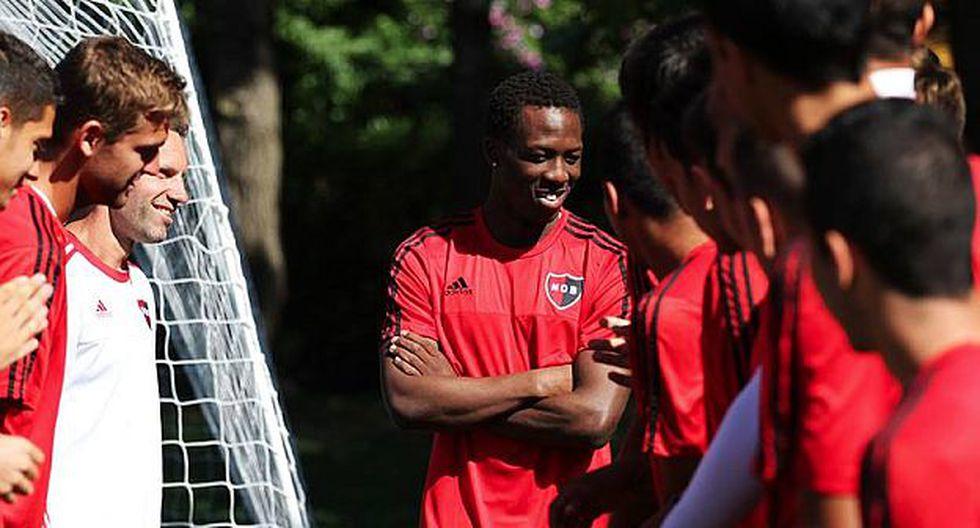 Luis Advíncula jugó en Perú por Sporting Cristal y Juan Aurich (Facebook Newell's).