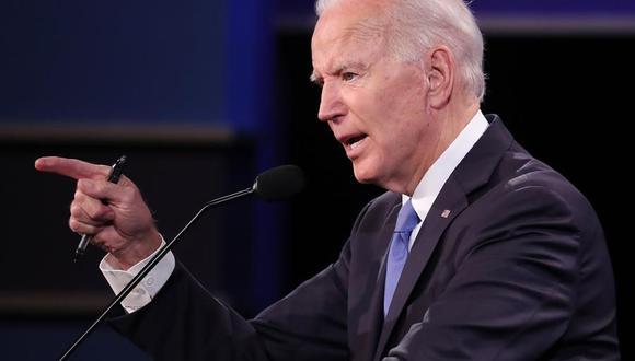 El candidato demócrata Joe Biden habla mientras durante el debate con su rival republicano Donald Trump. (EFE / EPA / MICHAEL REYNOLDS).