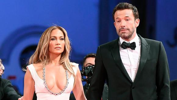 Jennifer Lopez y su fabuloso look con el que se robó miradas en el Festival de Cine de Venecia. (Foto: EFE).