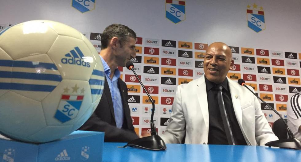 Presentación de Roberto Mosquera como director técnico de Sporting Cristal para la temporada 2020. (Fotos: Fernando Sangama/GEC)