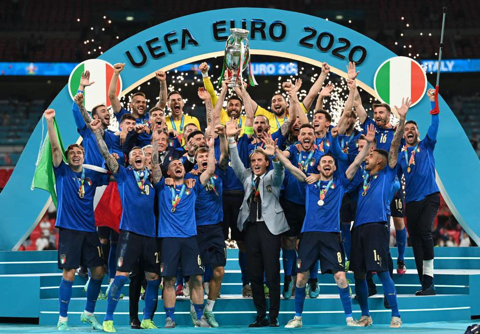 Italia se coronó campeón de la Eurocopa 2021 al vencer a Inglaterra por tanda de penales. (Foto: Agencias)