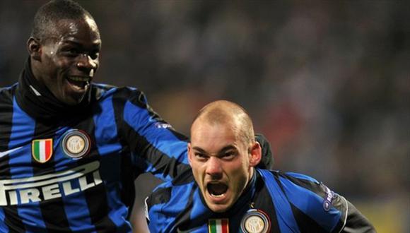 Wesley Sneidjer volverá a jugar junto a Mario Balotelli después de muchos años.