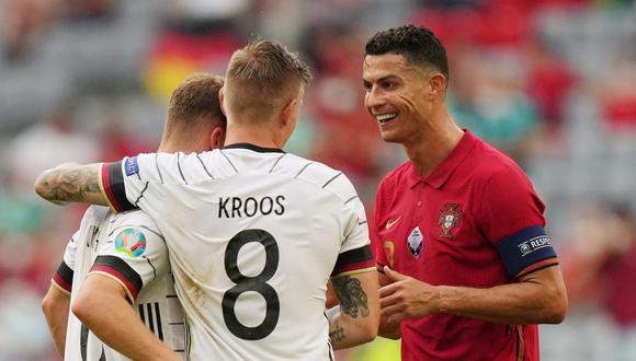 Joshua Kimmich, junto a Kroos y Cristiano Ronaldo, en duelo por la Eurocopa 2021. (Foto: Reuters)