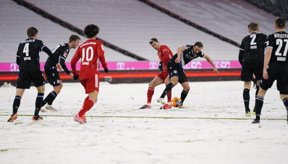 El Bayern salvó un punto en su vuelta a la Bundesliga tras conquistar el Mundial de Clubes. (Foto: EFE)