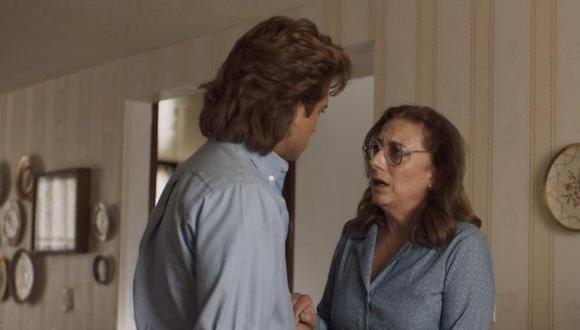 Luis Miguel y su abuela Matilde en una imagen de la primera temporada. (Netflix)