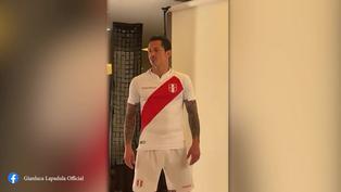 Gianluca Lapadula posó con la nueva camiseta de la selección (VIDEO)