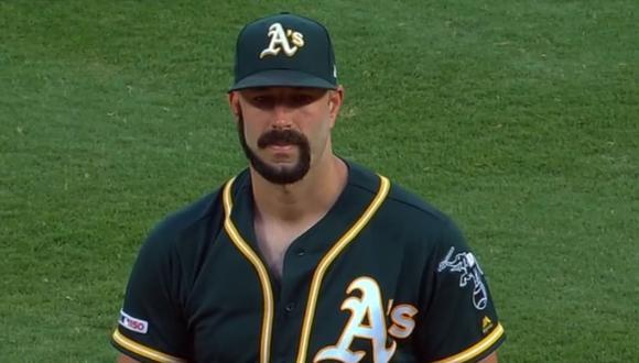Esta tendencia se volvió popular a mediados de 2020 por un jugador de béisbol que lo hizo producto de una apuesta.