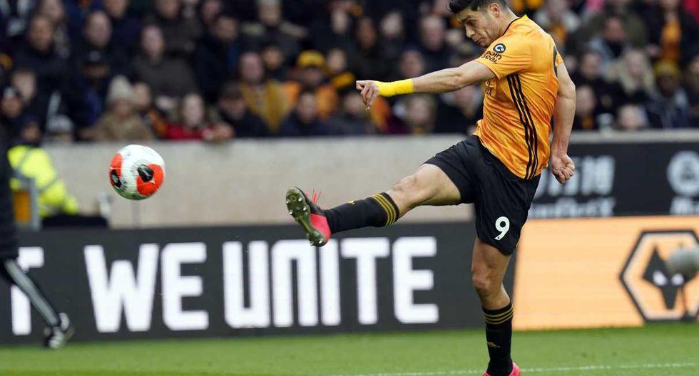 Raúl Jiménez también tendría oportunidades para volver al Atlético de Madrid. (Foto: EFE)
