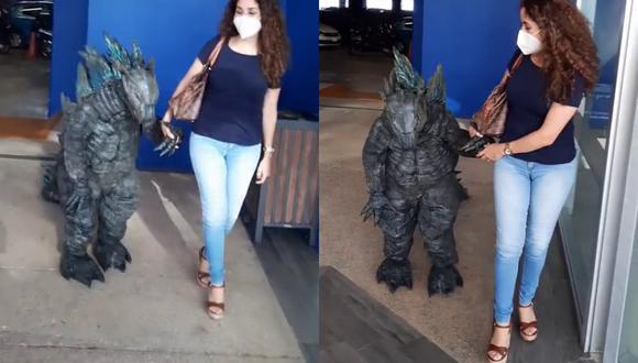 Un video viral tiene como protagonista a un niño que se robó el show al ir al cine a ver Godzilla vs. Kong disfrazado como el famoso monstruo japonés. | Crédito: @janecun / TikTok