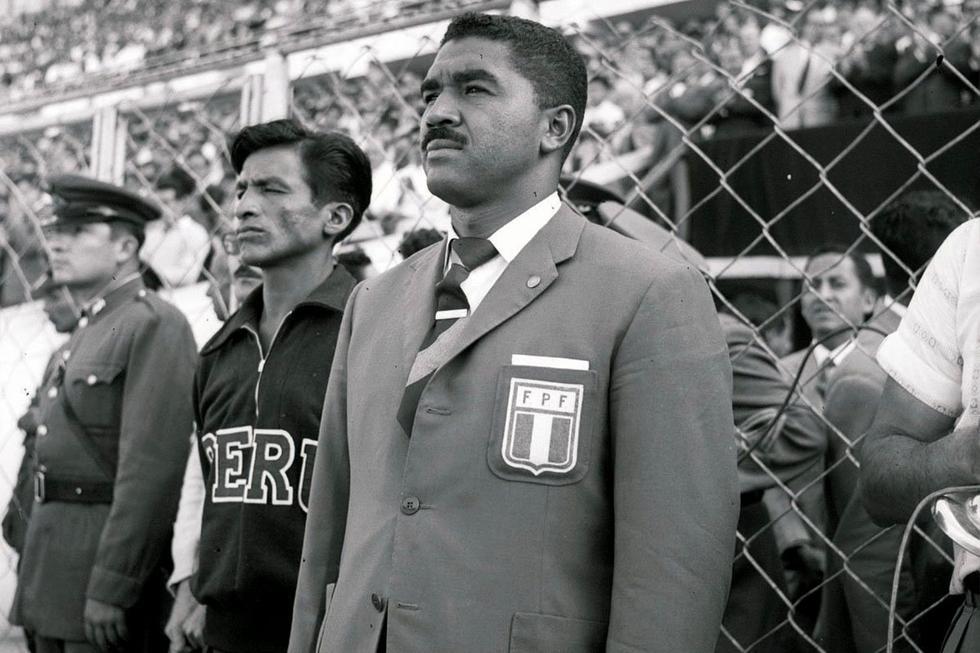 Un 11 de julio de 1928, nació en la ciudad de Lima, don Marcos Calderón Medrano, quien es considerado como el entrenador más exitoso del fútbol peruano. Si alguien personificó la filosofía del éxito en el fútbol nacional, ese fue Marcos Calderón. Con la selección: fue campeón de una Copa América (1975) y nos clasificó  a un mundial (Argentina 1978).