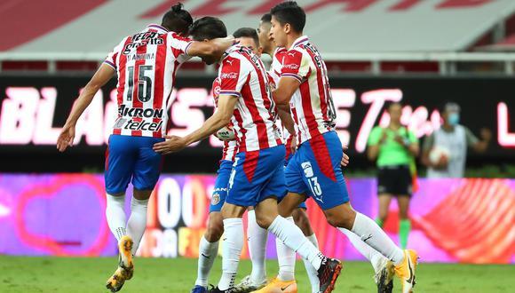 Chivas derrota a Monterrey y lo manda al repechaje de manera dramática