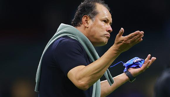 Juan Reynoso logró el título del Clausura 2021 de la Liga MX con Cruz Azul (Foto: Getty Images)