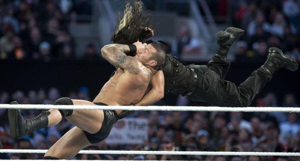 Víctima: Seth Rollins. (WWE)