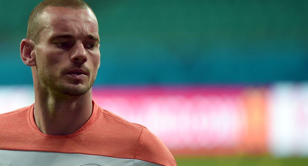 Wesley Sneijder se despidió de su selección hace dos años en amistoso ante Perú en Ámsterdam (Foto: AFP)