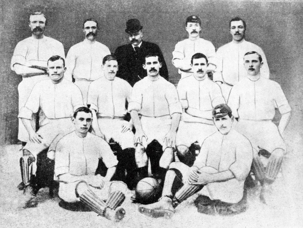 Según cuenta la historia, Preston North End (1884) fue el primer equipo en la historia del fútbol en pagar salarios.
