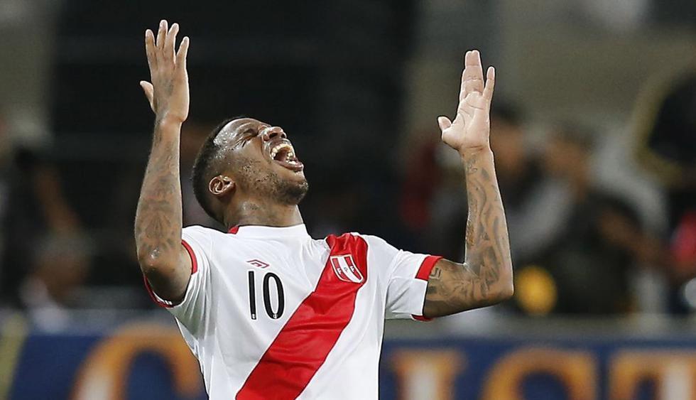 Jefferson Farfán anotó el primer gol de Perú. (AP)