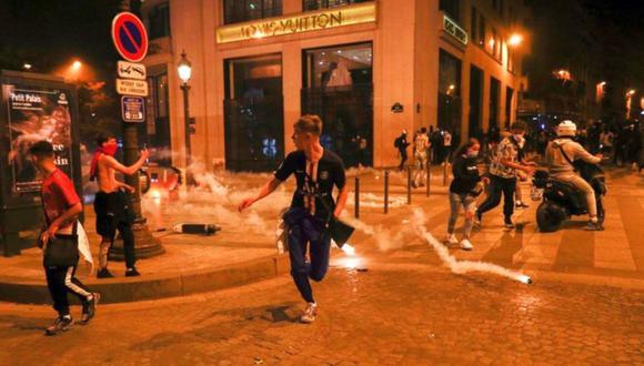 Hinchas de PSG causaron desmanes en París. (Foto: AFP)
