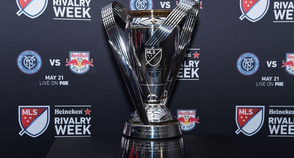 El trofeo que entregarán al campeón de la MLS. El encuentro será este domingo 10 de noviembre. (Foto: AFP)