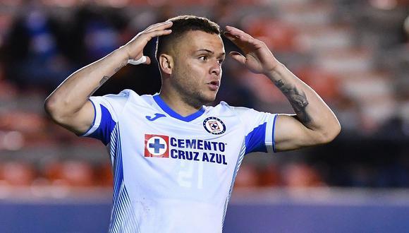 Jonathan Rodríguez quedaría descartado para el Cruz Azul vs. Monterrey. (Foto: EFE)