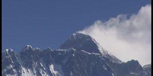 El COVID-19 paraliza la temporada de escalada del Everest