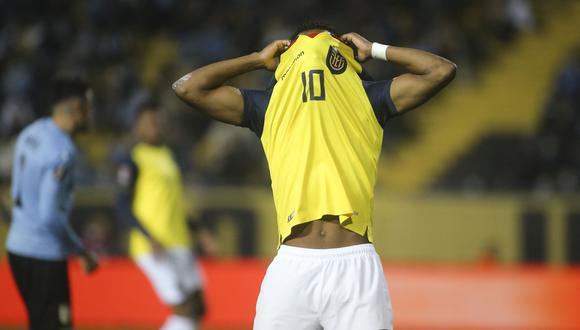 Ecuador perdió 1-0 contra Uruguay por la fecha 10 de las Eliminatorias. (Foto: AFP).