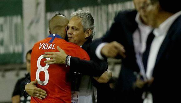 Arturo Vidal lamentó desde Italia la salida de Reinaldo Rueda de la 'Roja'. (Foto: EFE)