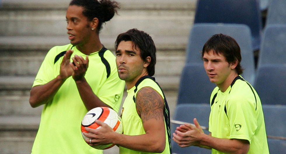 Ronaldinho, Deco y Lionel Messi en el Barcelona. (Foto: AFP)