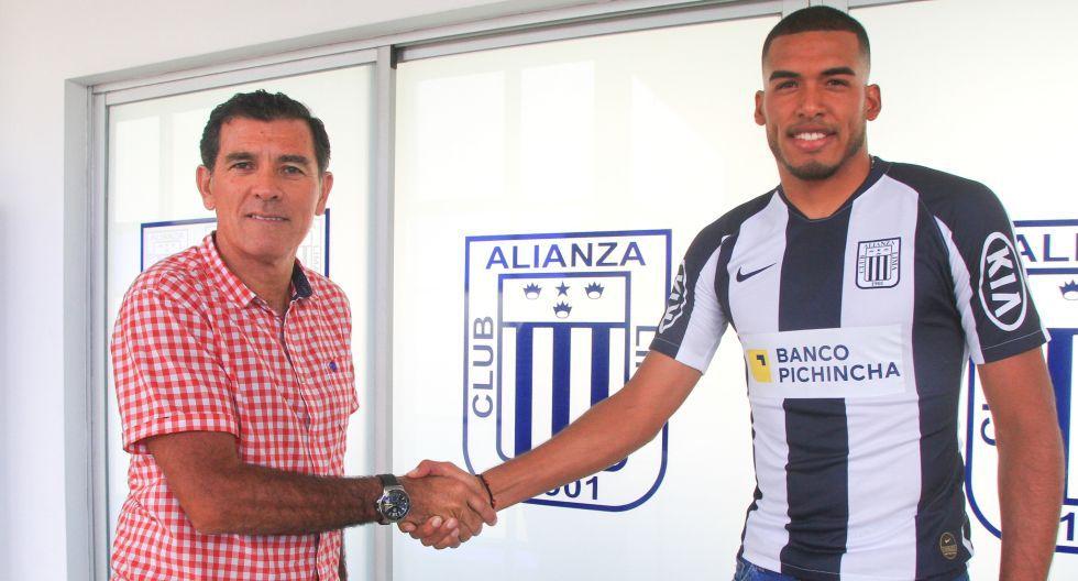 Rivadeneyra firmó por 2 años en Alianza Lima. (Prensa AL)