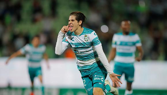 Santiago Muñoz llegó al Newcastle procedente del Santos Laguna (Foto: Getty Images).