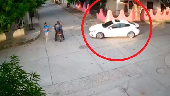 Una mujer denunció el robo de un carro con un solo fin: capturar a su pareja con otra persona. Cámara de seguridad capta el preciso instante de la persecución y se hizo viral en Internet. (Foto: Captura video/El Pilon)