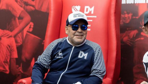 Diego Maradona visitará a La Bombonera al mando de Gimnasia y Esgrima La Plata. (Foto: AFP)