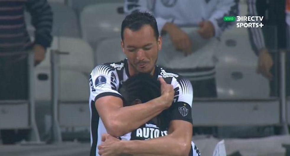 Chará anotó el 2-0 del Atlético Mineiro sobre Colón y acaricia Asunción