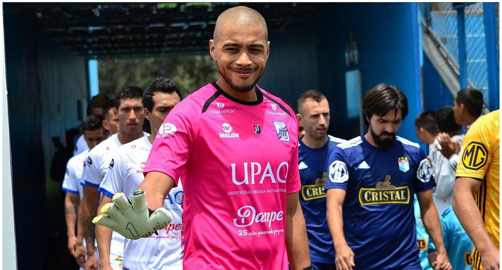 Manuel Heredia llamó la atención con una curiosa máscara de protección contra el COVID-19 [FOTO]