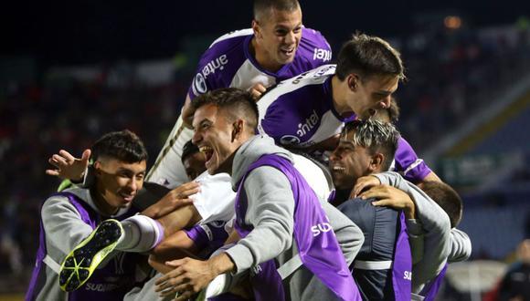 El Nacional igualó 2-2 con Fenix y fue eliminado de la Copa Sudamericana 2020. (Foto: Twitter)