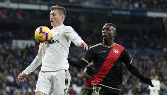 Real Madrid se medirá a Rayo Vallecano de Luis Advíncula. (Foto: EFE)
